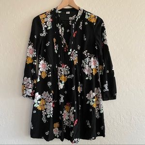 Old Navy Black Floral 3/4 Length Sleeve Tunic